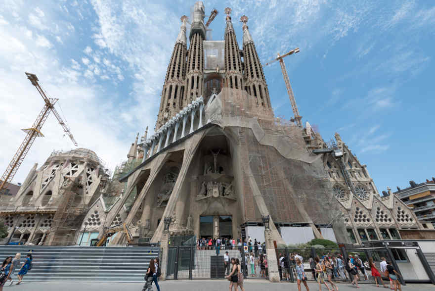 unveiled-facades-of-the-sagrada-familia