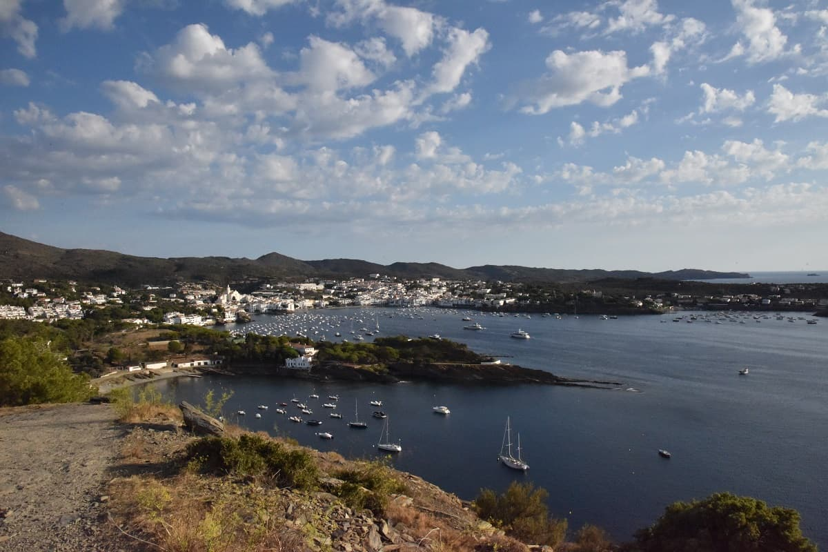 hike-from-cadaques-to-far-de-calanans