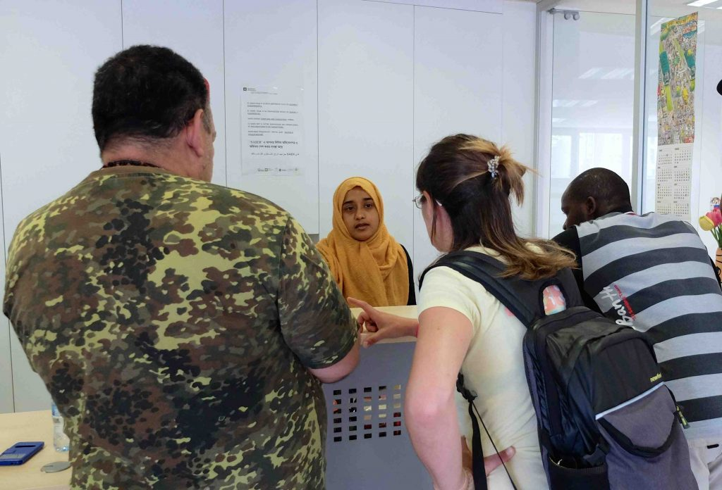 unassisted,-barcelona´s-refugee-services-strain-under-increasing-arrivals