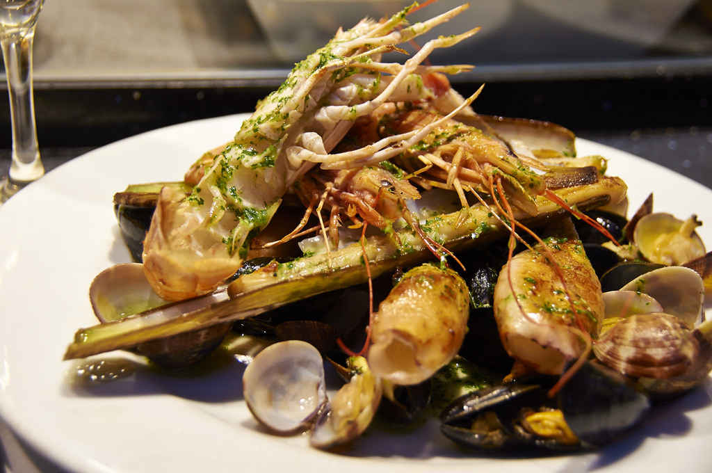 tasty-seafood-restaurants-in-barceloneta